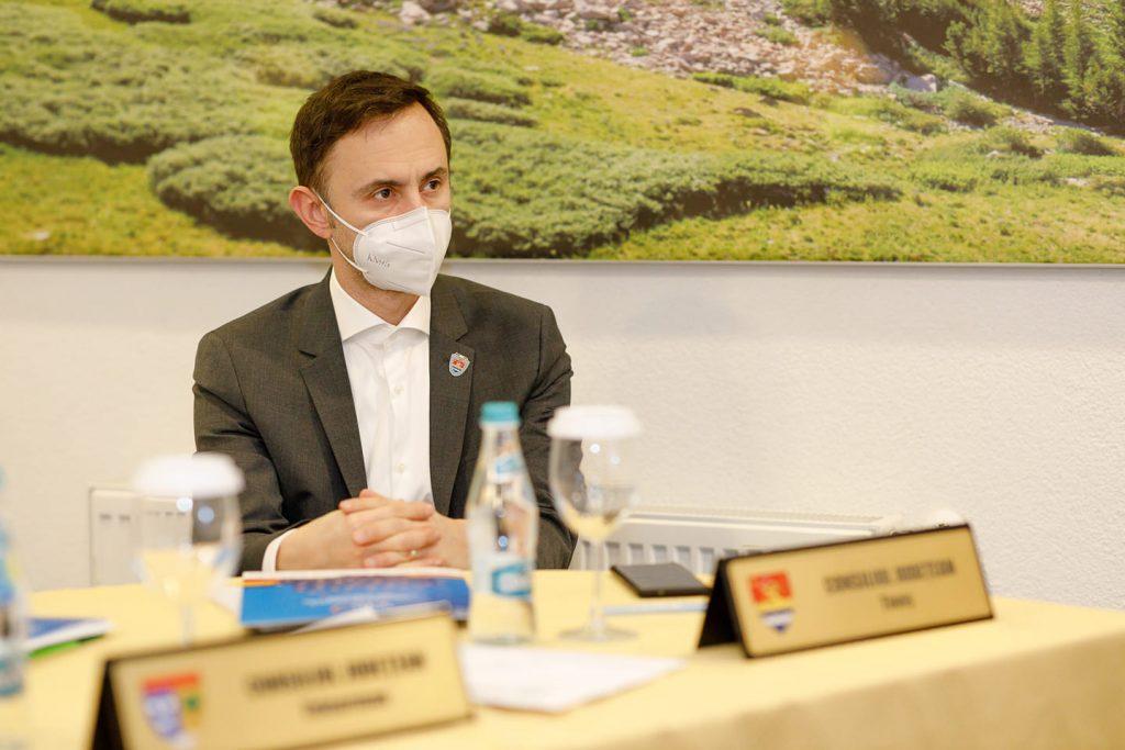 Alin Nica îi reprezintă pe șefii consiliilor județene din România la Bruxelles