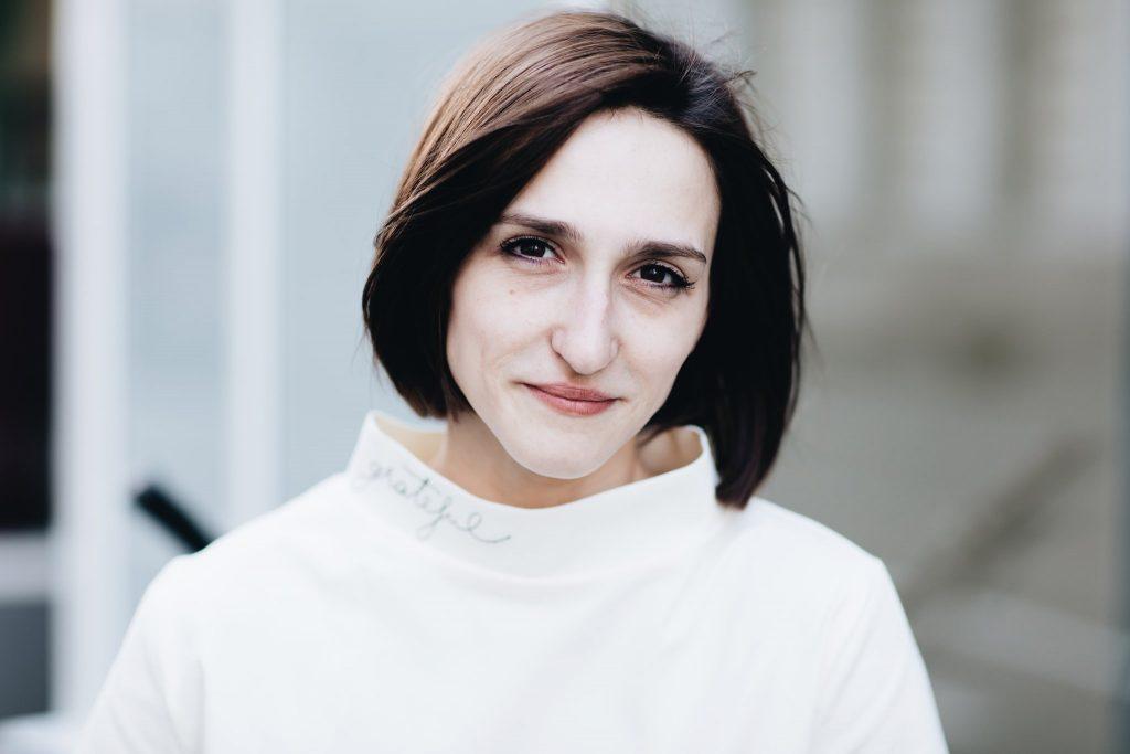 Ana Munteanu, suspendată din USR timp de un an, după ce a intrat cu jandarmii într-un restaurant