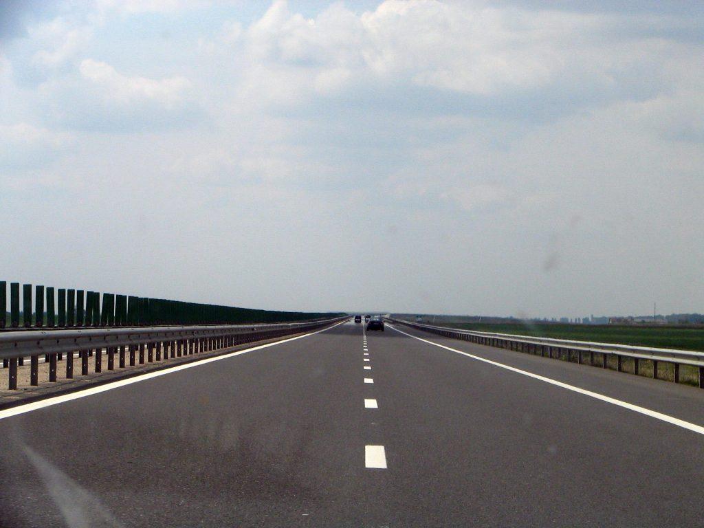 Un drum județean din Timiș va fi modernizat, pentru un acces mai facil la autostrada A1