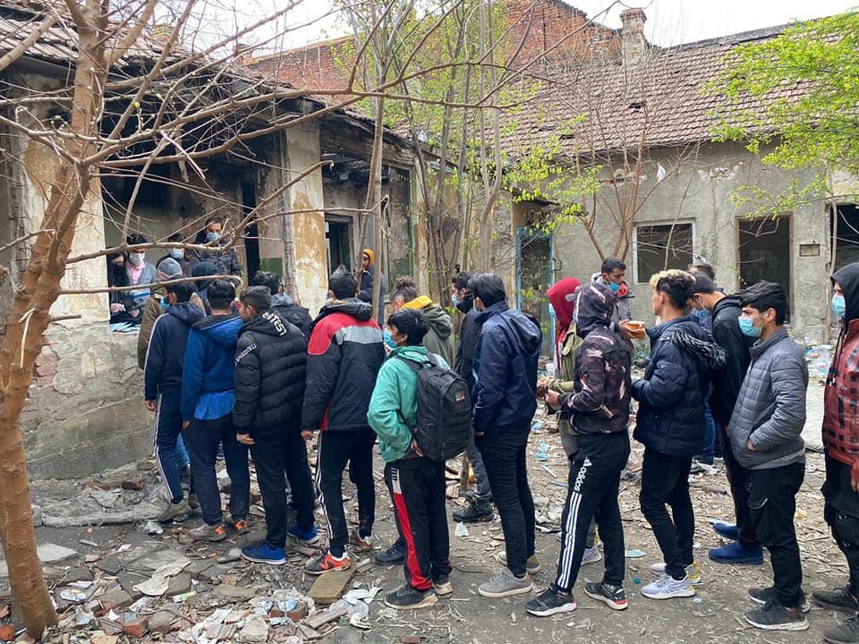 Problema migranților, pasată de la nivel local la autoritățile centrale