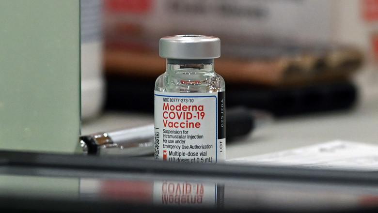 Locuitorii din Timiș se pot vaccina cu Moderna fără programare