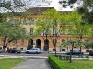 Au început lucrările la clădirea din Piața Huniade care găzduiește Colegiul Tehnic Ungureanu
