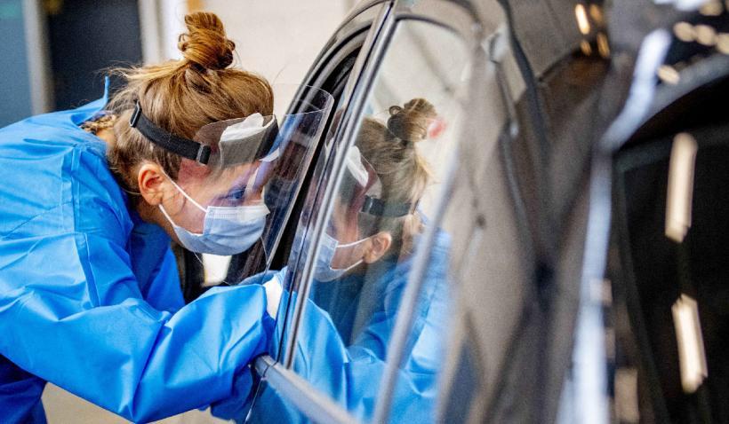Vaccinare din mașină. La Timișoara se deschide primul centru drive-thru, în prezența ministrului Sănătății