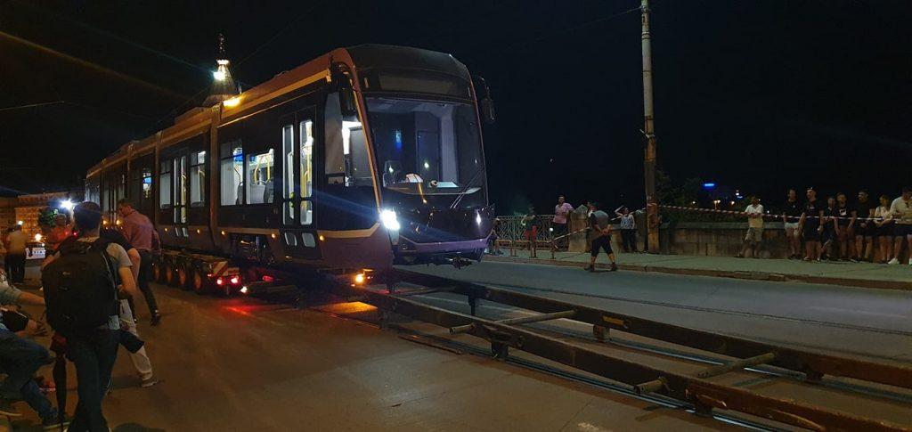 """Viceprimarul Ruben Lațcău: """"Până la sfârșitul anului viitor vor fi în funcțiune toate cele 21 de tramvaie noi"""""""