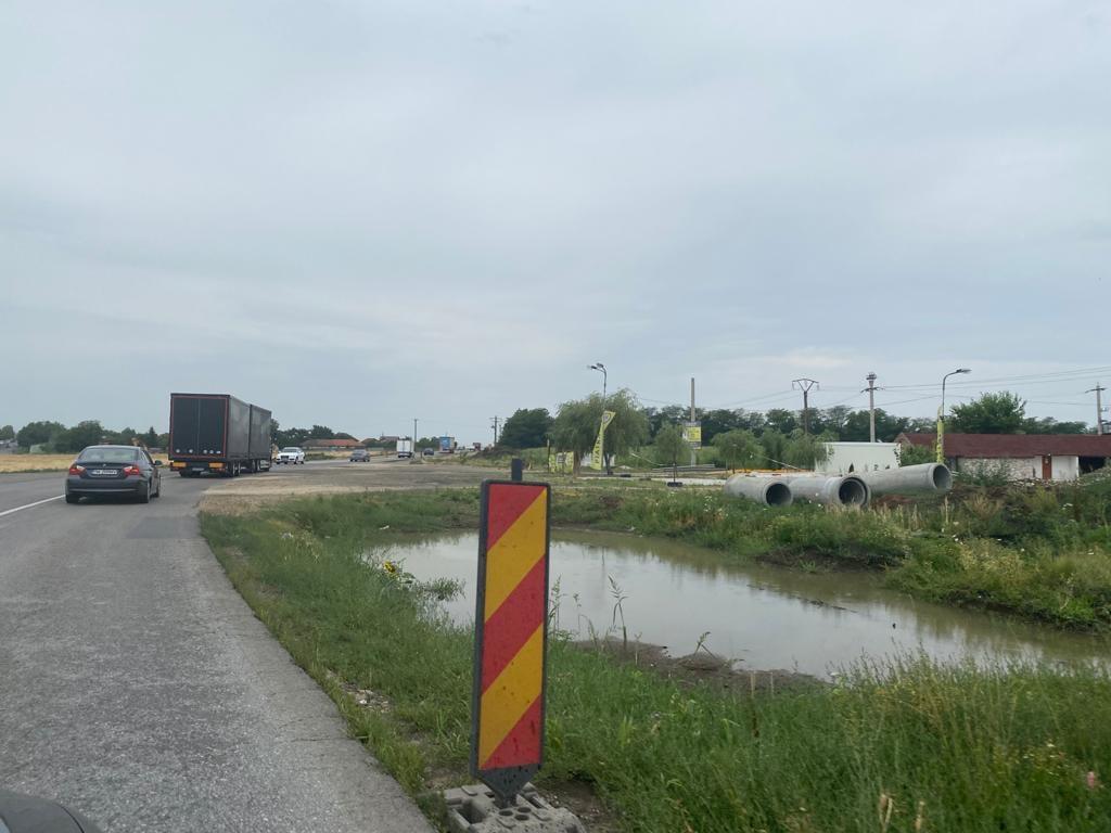 Șoferii mai au de așteptat până când drumul spre autostradă, prin Dumbrăvița, va fi lărgit la 4 benzi