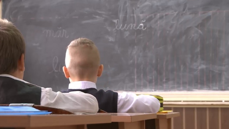 A sunat clopoțelul pentru peste 100.000 de elevi din Timiș